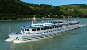 28072009-Ship-Bordeaux-mob8kv86jky6rjz7z5ubhn71yop5vwe98rtfe08oic